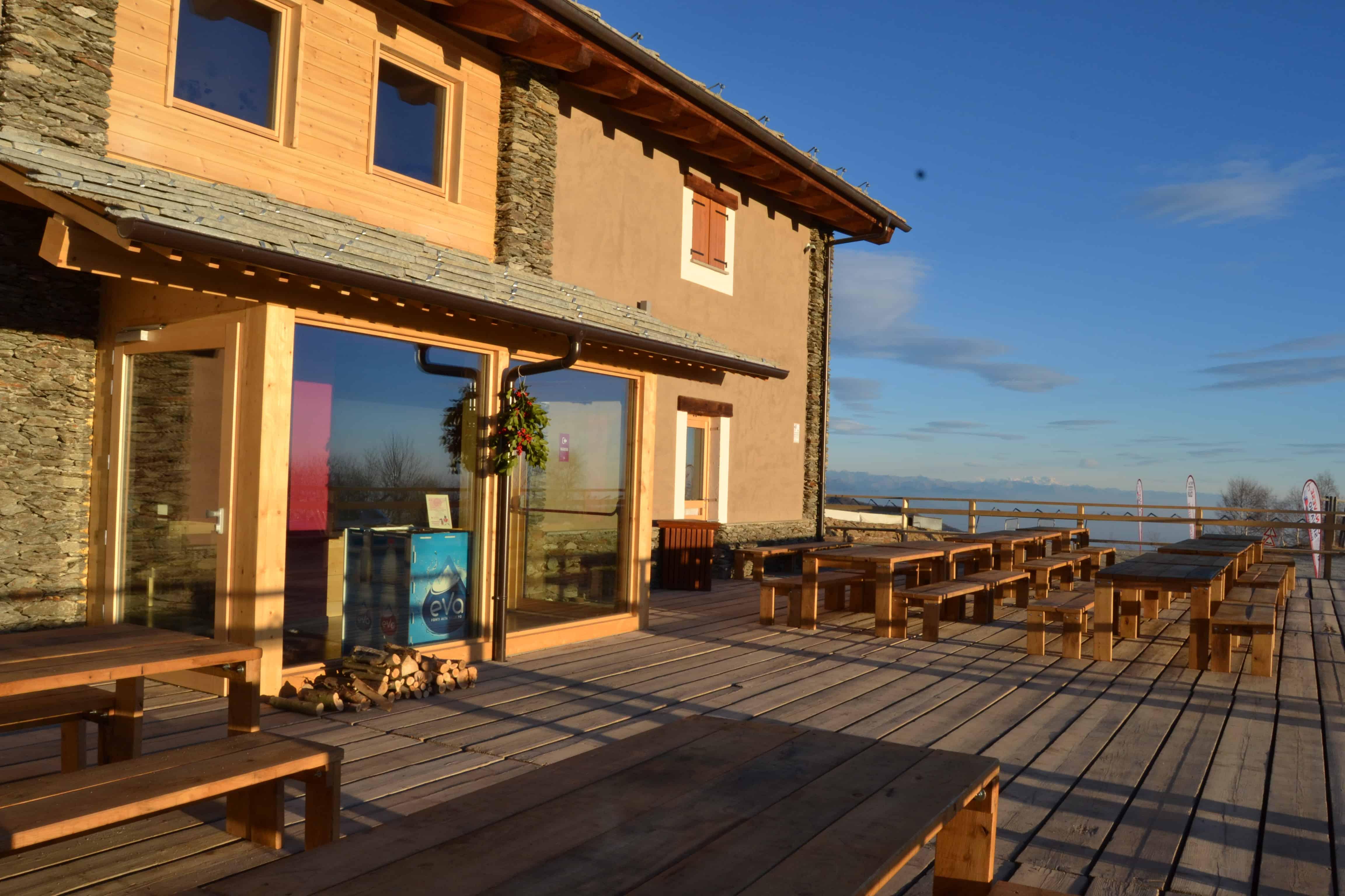 Mangiare in baita 10 indirizzi da non perdere for Rifugio in baita di montagna