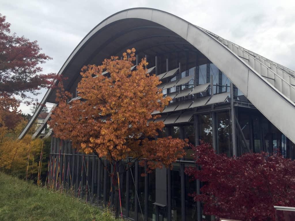 Una vista sull'edificio del Zentrum Paul Klee progettato da Renzo Piano