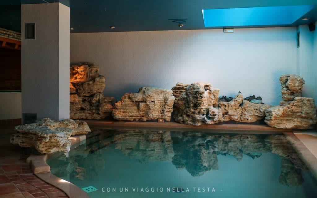 hotel notre maison cogne La piscina interna del centro benessere