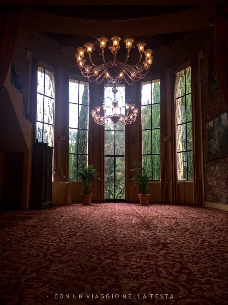 Uno dei saloni della Villa Domergue