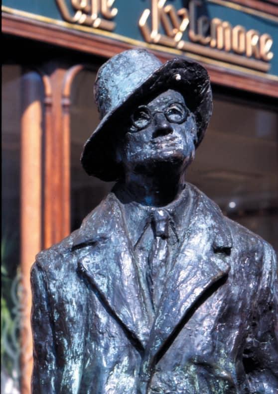 La statua di James Joyce in O'Connell Street A Dublino. Copyright TOURISM IRELAND