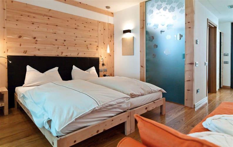 Una delle camere della Polisena, progettate nel rispetto dell'ambiente