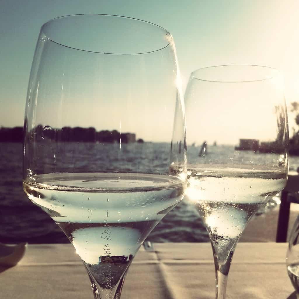 Vista sulla Giudecca dai nostri bicchieri al Ristorante Riviera di Venezia