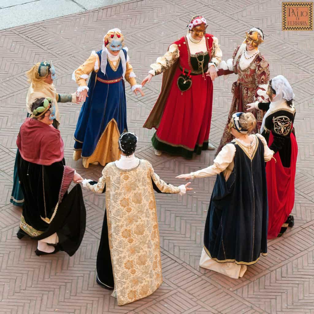 Balli rinascimentali in maschera al Carnevale di Ferrara