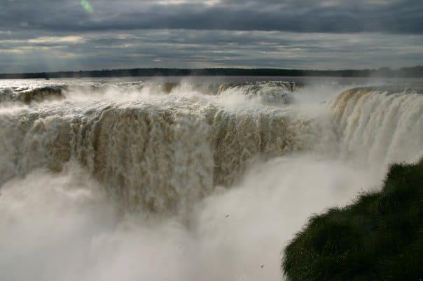 Le cascate dell'Iguazù, tra Brasile e Argentina.
