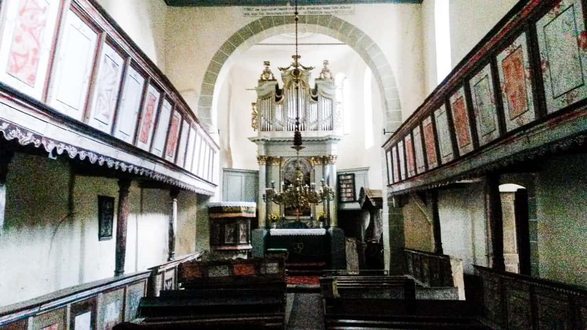 viaggio in romania, la chiesetta a navata unica patrimonio dell'UNESCO.