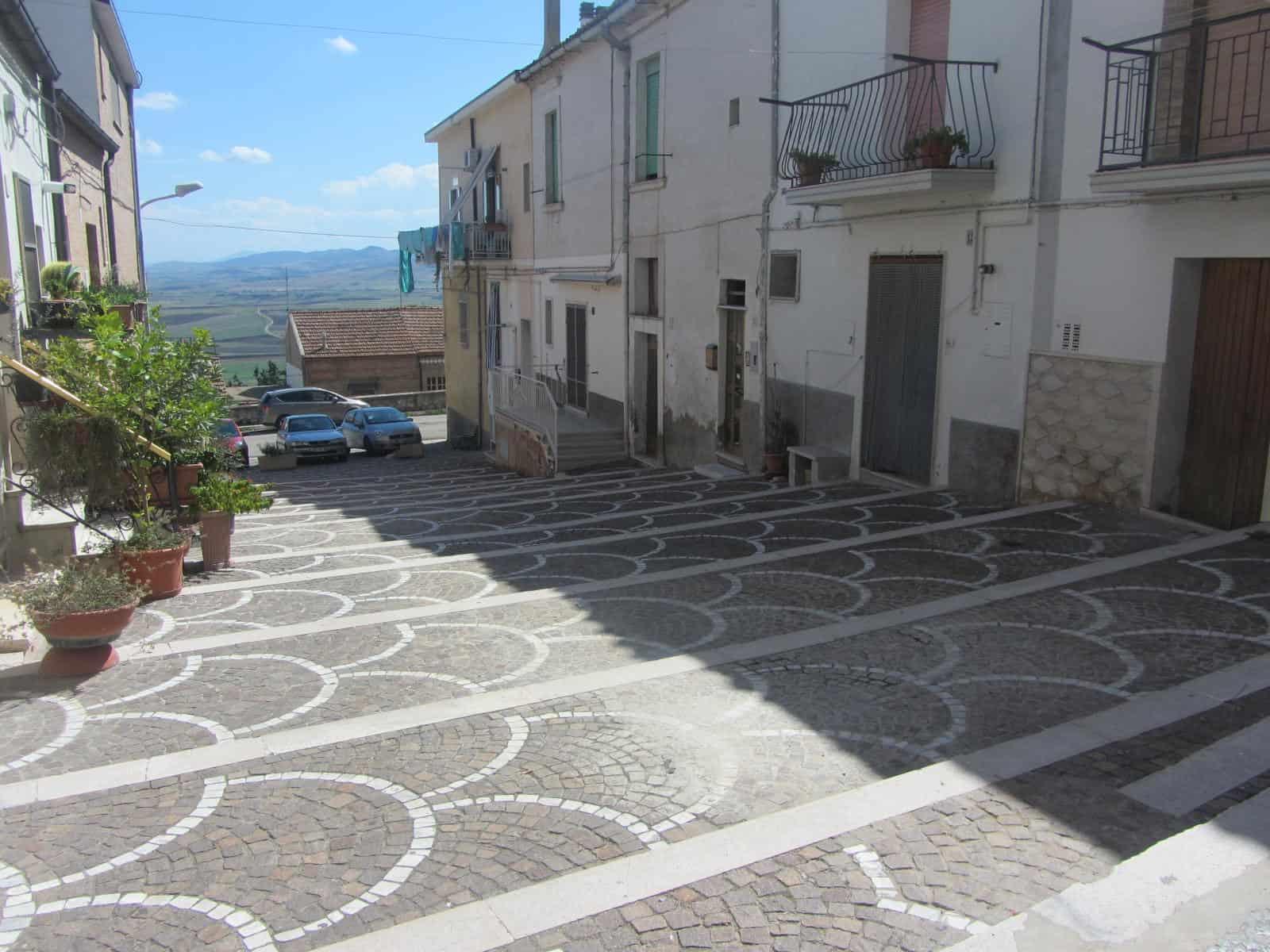 Uno scorcio del centro di Troia, in provincia di Lecce.