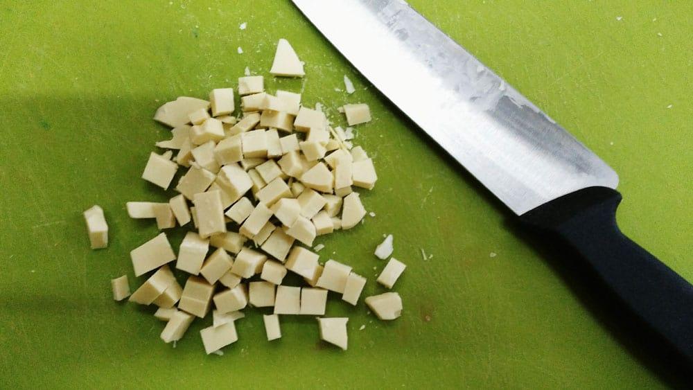 cioccolato bianco a pezzetti