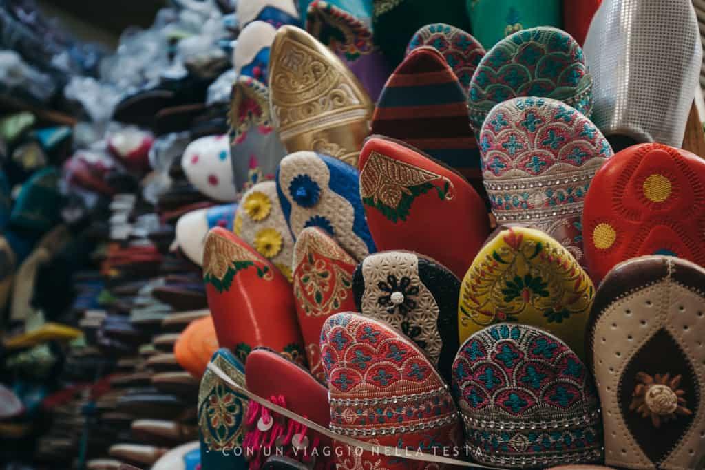 viaggio a fez marocco ciabattine colorate
