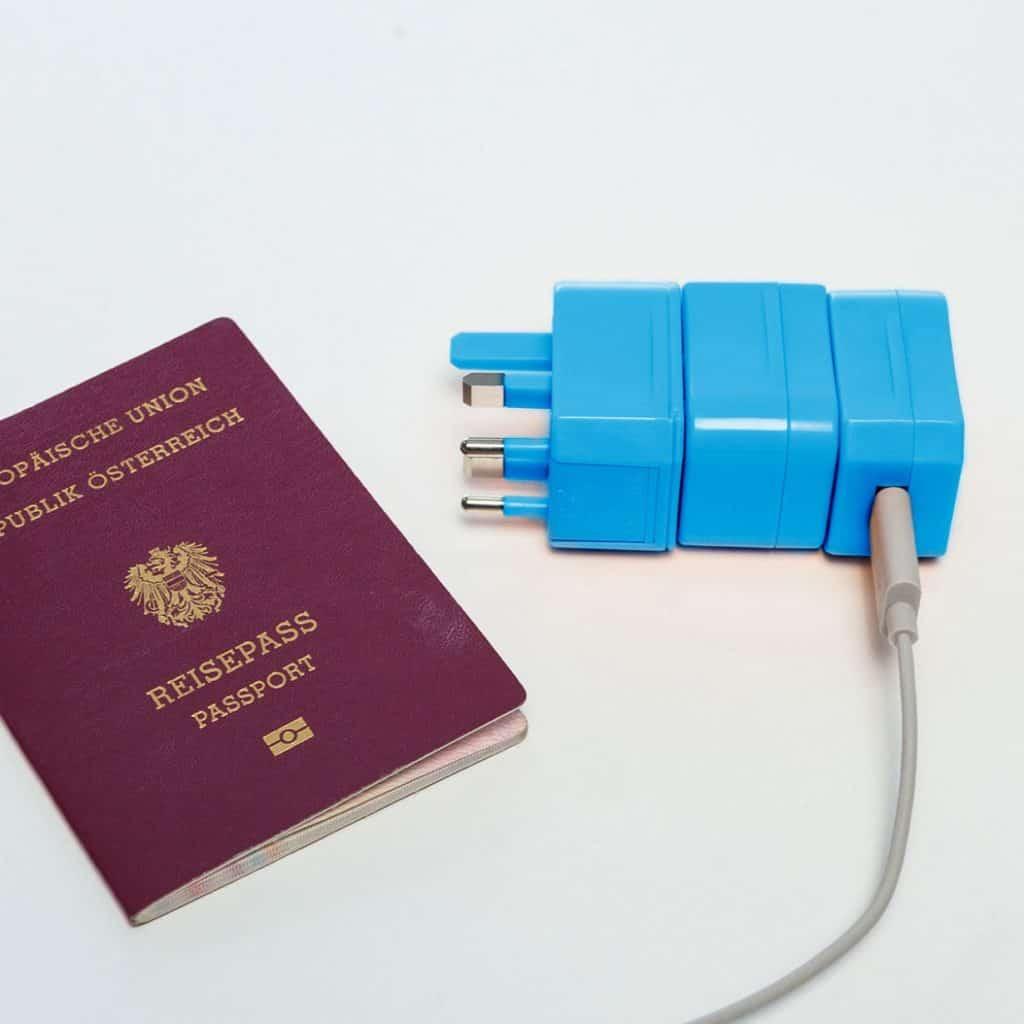 regalo-adattatore-da-viaggio-9a0