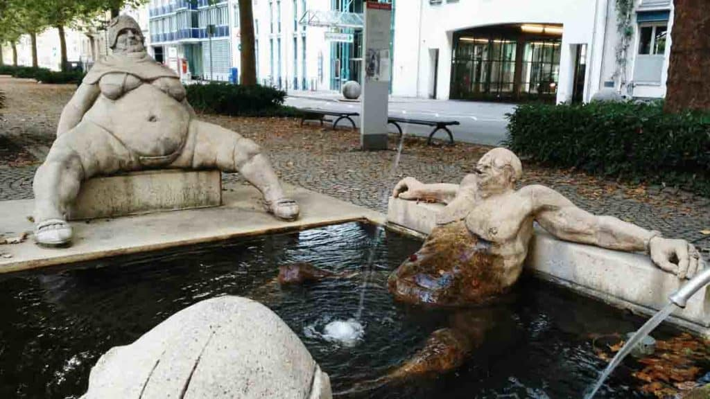 Le sculture di Peter Lenz a Costanza Germania