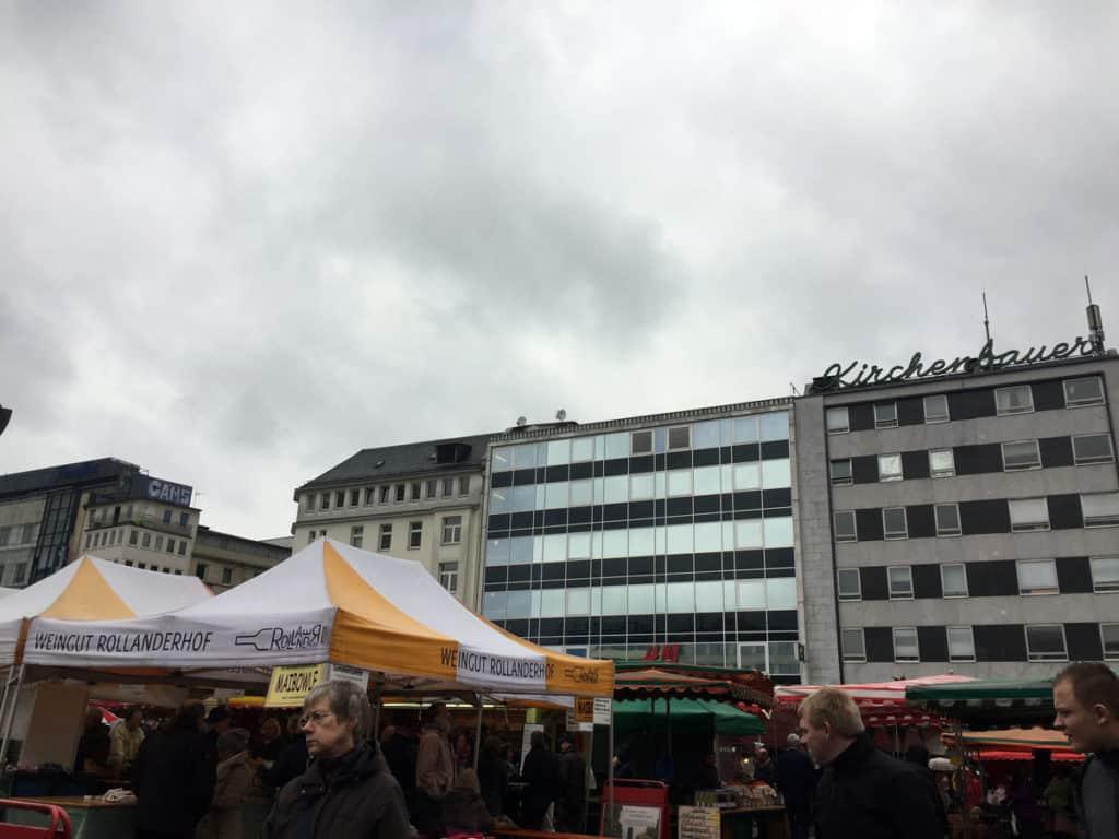 Il mercato di Konstablerwache, dove mangiare qualcosa di tipico e veloce a Francoforte