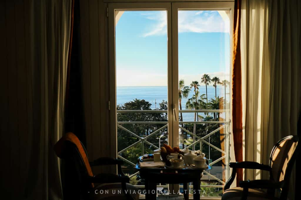Il risveglio vista mare dalla mia stanza Hotel Barriere Le Majestic