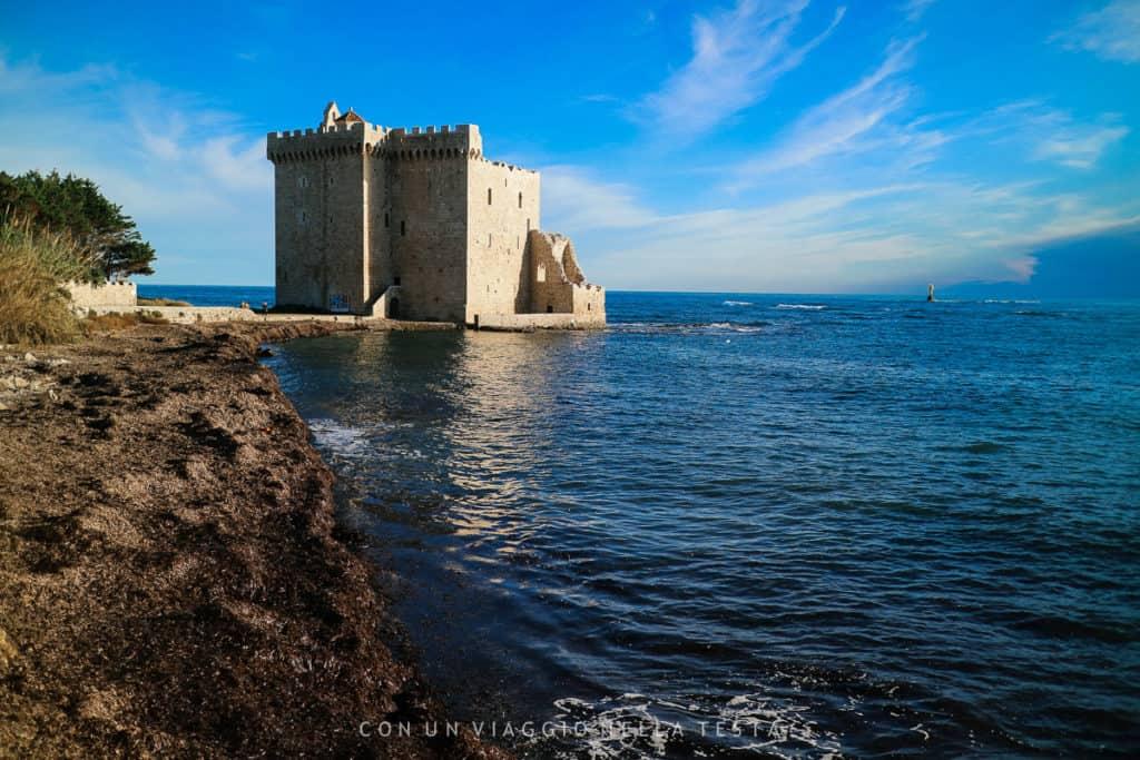 Il monastero fortificato sull'Isola di Saint Honorat