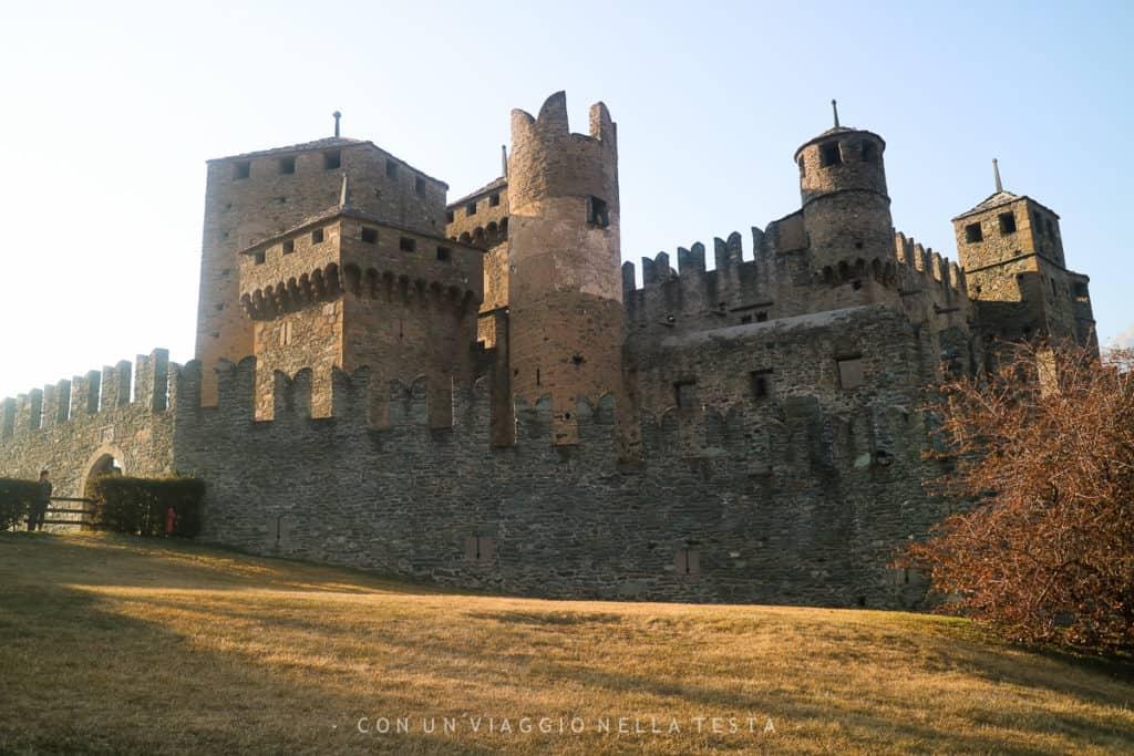 Castello di Fenis, vista dall'esterno