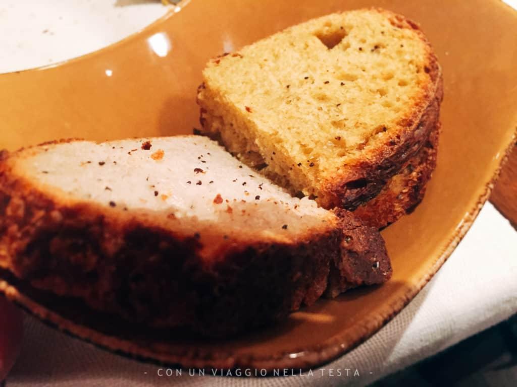 Pane rigorosamente fatto in casa a Il Rovescio di Bologna!