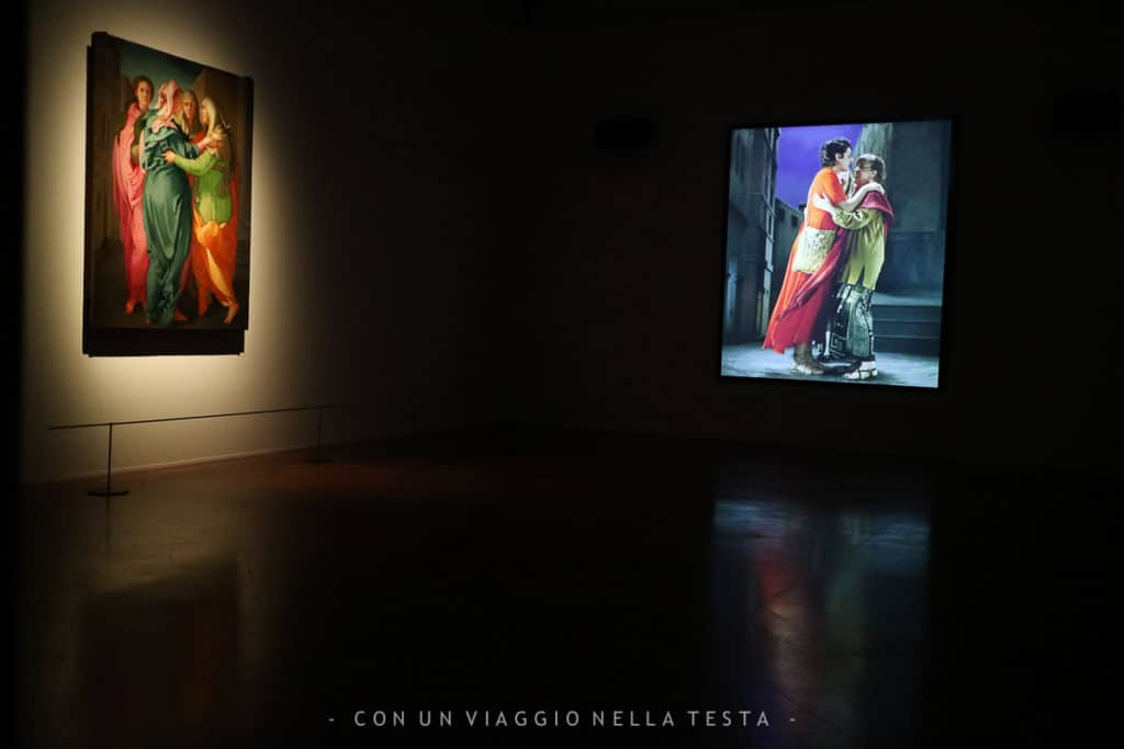 """The Greeting"" di Bill Viola accostata alla Visitazione del Pontormo"