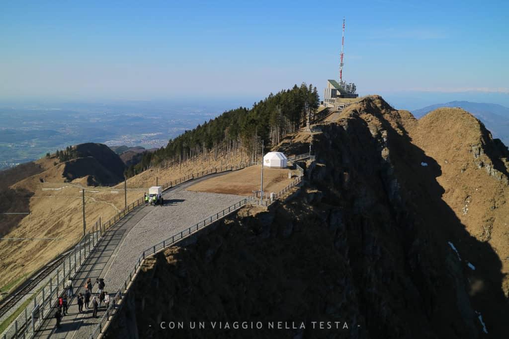 Vista sull'osservatorio del Monte Generoso