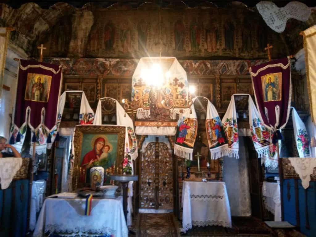chiese di legno maramures interno
