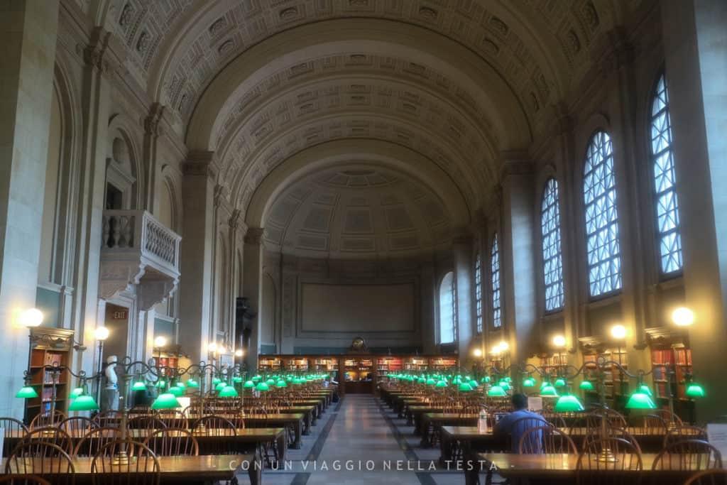 Interno della biblioteca di Boston