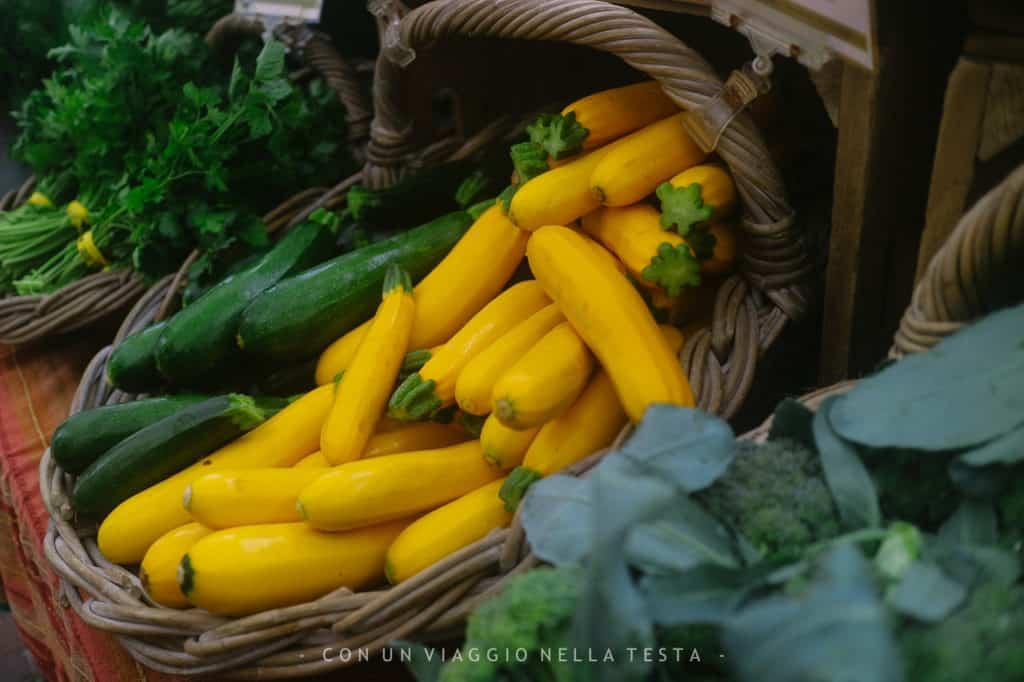 Funghi da coltivare in vendita al Copley Square Farmers Market