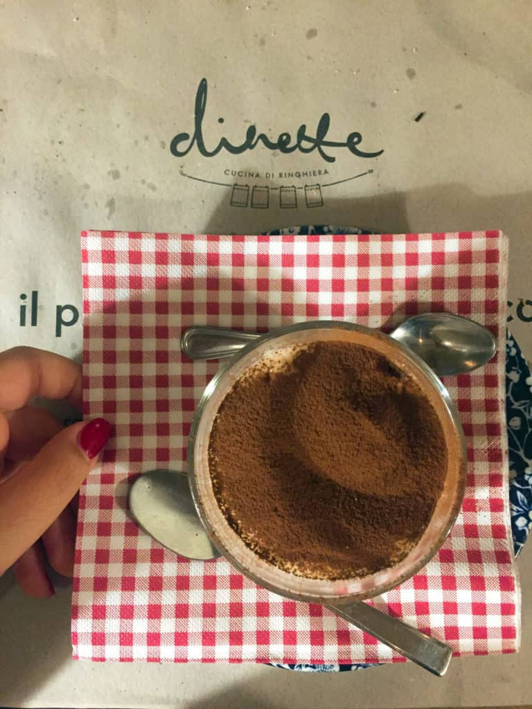 Il tiramisù homemade di Dinette in via Bronzetti