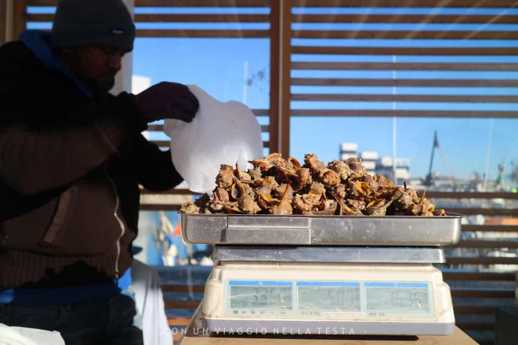 mangiare pesce a senigallia lumache mercato