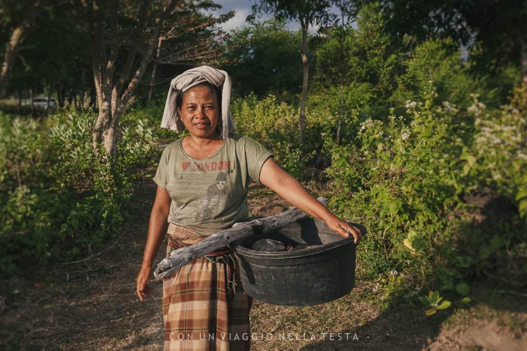 visitare lombok campi donna