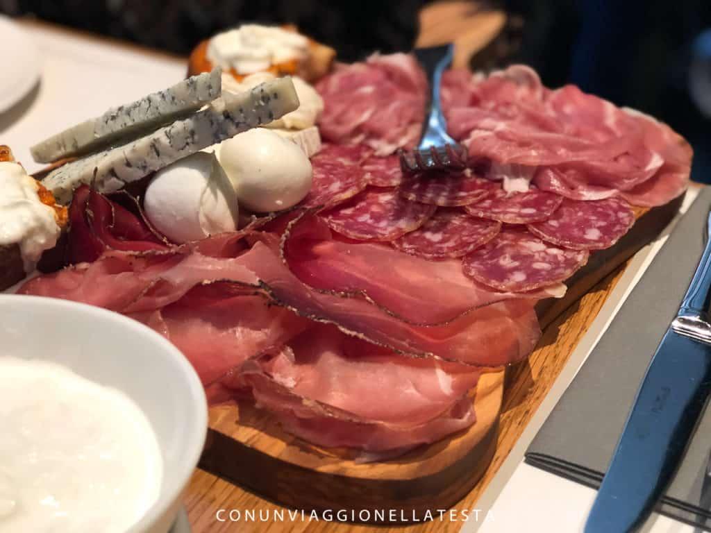 Il tagliere di affettati misti di Obicà Milano