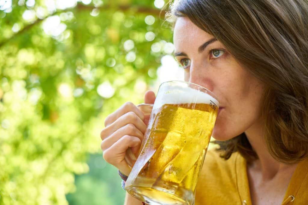 Si può bere alcol in gravidanza?