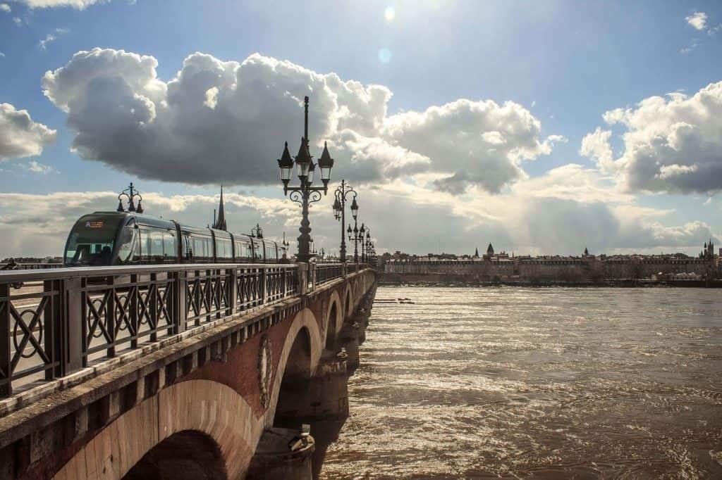 Come raggiungere Bordeaux centro dall'aeroporto