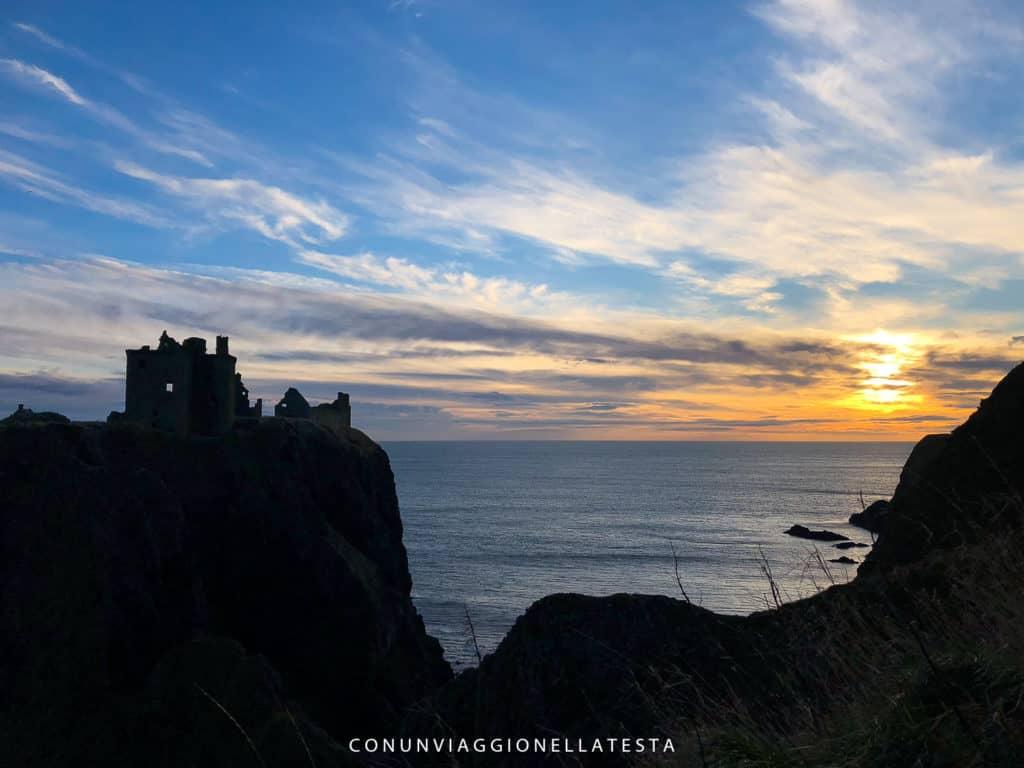 Il Castello di Dunnottar poco dopo l'alba