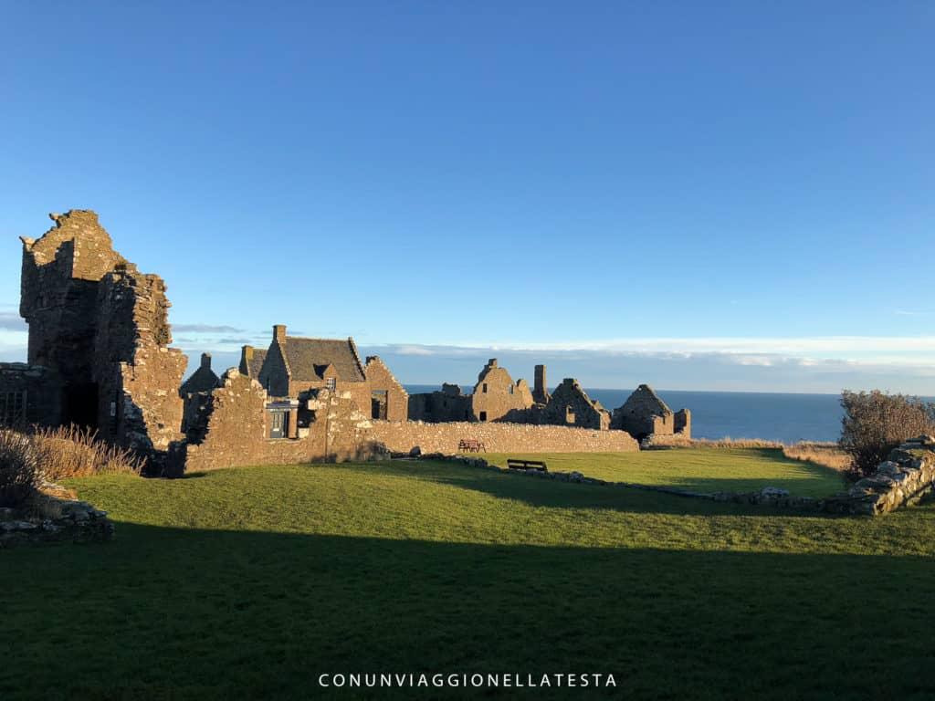 Una vista sull'interno del Castello di Dunnottar