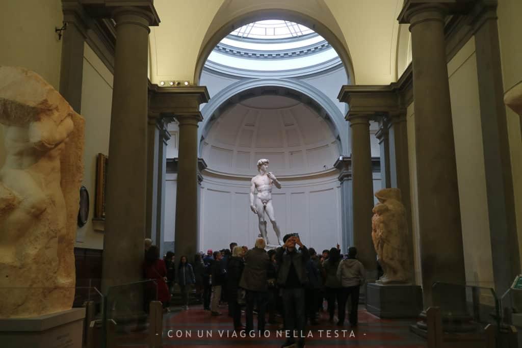 Galleria dell'Accademia Firenze, vista sulla tribuna che accoglie il David di Michelangelo