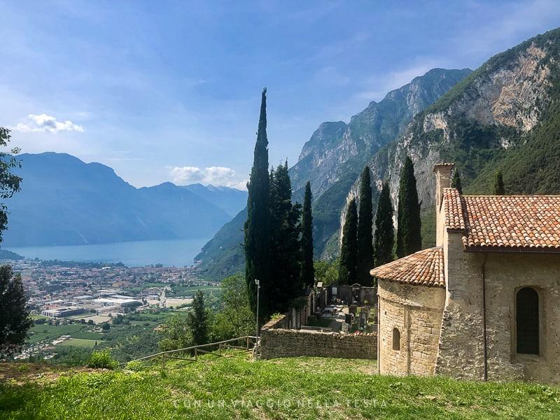trekking trentino chiesa san lorenzo tenno