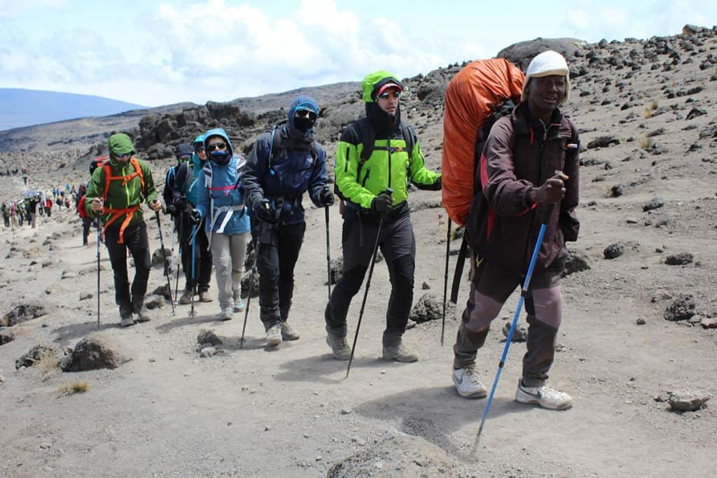 trekking kilimangiaro verso lava tower.